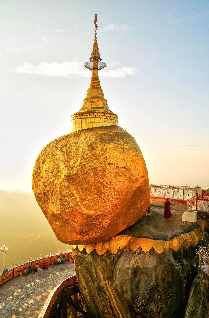 """Kyaiktiyo Pagoda, """"Golden Rock"""" - Burma"""