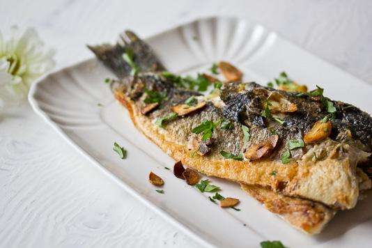 Sabzi Polo Mahi: Fried Fish